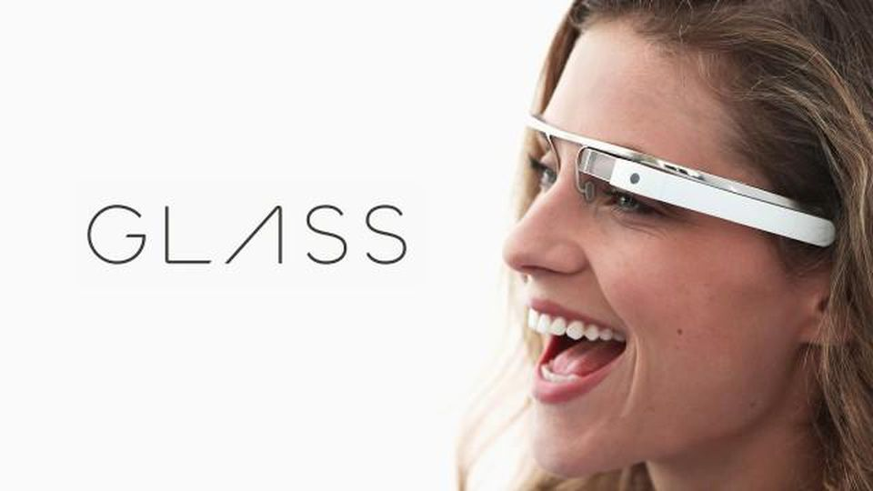 Smart glasses making a comeback. This time, with Apple.